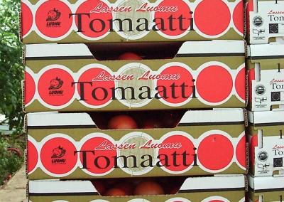 vanhoja tomaattilaatikoita